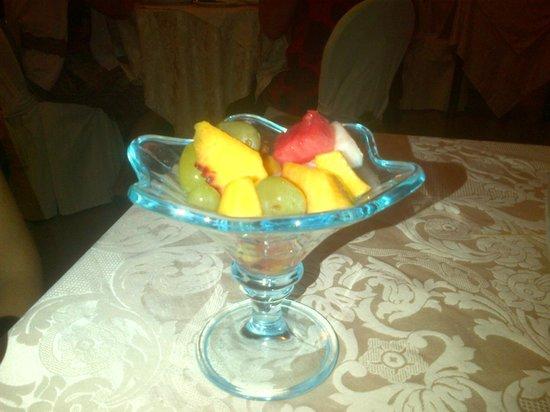 Degli Ulivi: macedonia di frutta