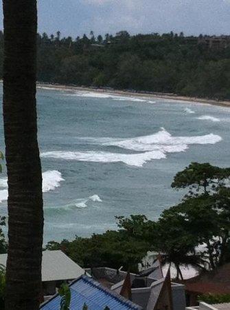 Chanalai Garden Resort: 201ベランダより波のサイズ頭位です。