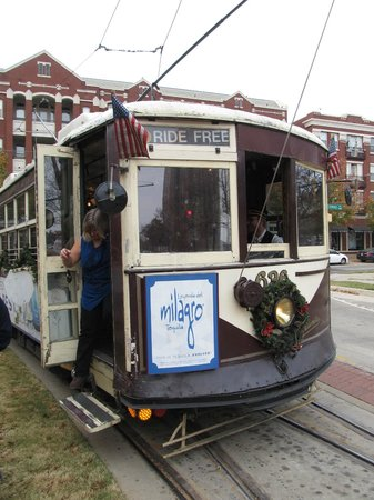 Food Tours of America: Trolley