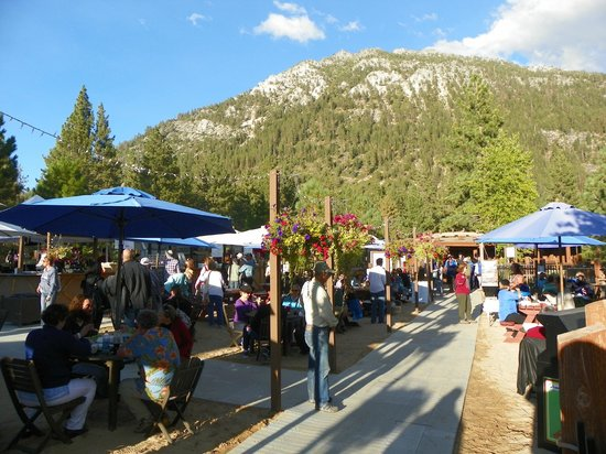 Lake Tahoe Shakespeare Festival: food court area & picnic tables