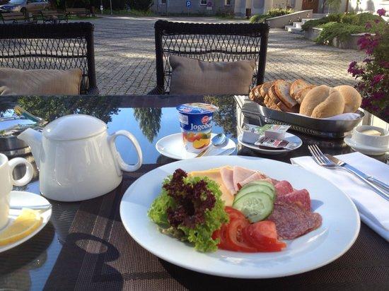 Hotel Zamek Lubliniec: Część śniadania (brakuje tutaj ciepłego posiłku)