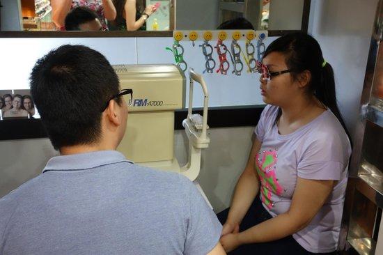 Glasses City: free glasses exam