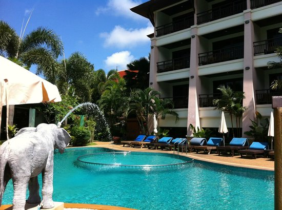 Aonang Orchid Resort: Pool side
