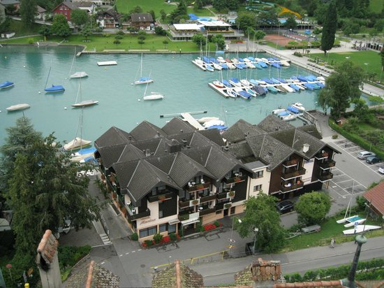Seegarten Hotel Marina: Looking down at the hotel from Spiez Schloss