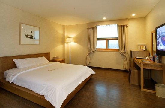 Midas Tourist Hotel: Double room