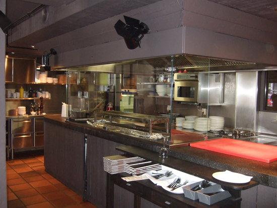 Gauchos - Spuistraat: de mooie open keuken