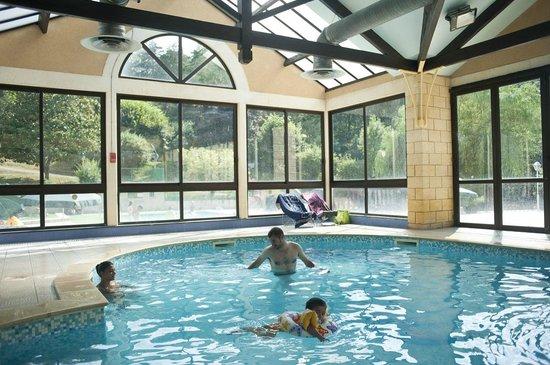Camping Indigo Sarlat : La piscine intérieure