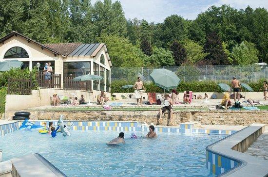 Camping Indigo Sarlat : La piscine