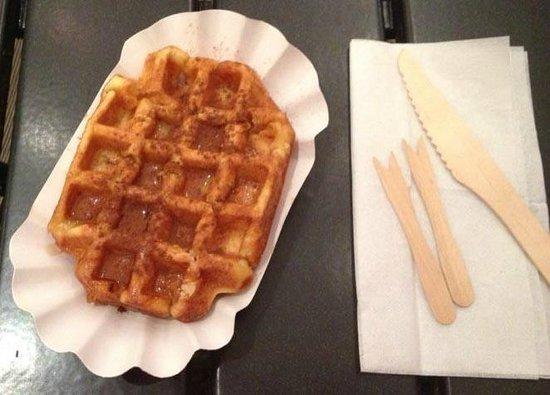 La Creperie: Waffle con sciroppo d'acero e cannella
