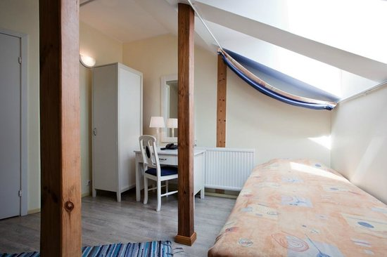 Economy Hotell: Third floor room