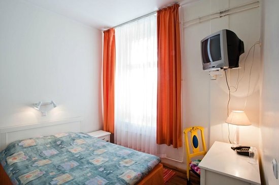 Economy Hotell: Double room on second floor