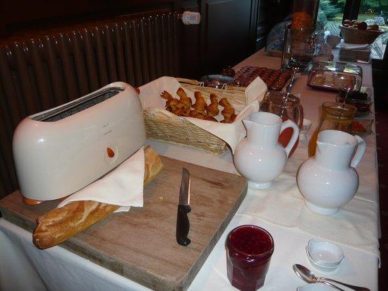 Le Clos de Bourgogne : buffet petit déjeuner
