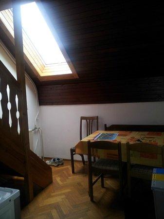 cucina sala da pranzo - Picture of Apartment House Berghi ...