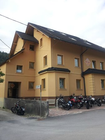 Apartment House Berghi: esterno
