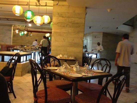Centaur Hotel, IGI Airport: restaurant