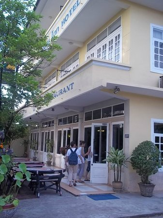Day Inn Hotel: Extérieur prore et bien entretenu