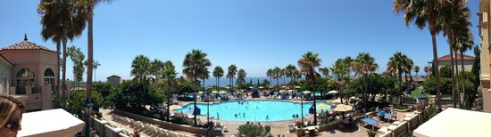 Marriott's Newport Coast Villas: View of Main Pool from Reception