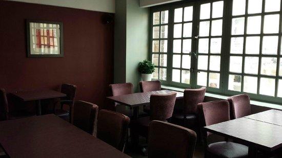 Kanai Hotel : Salle petit-déjeuner