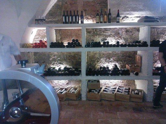 Hotel Schwanen: Weinkeller