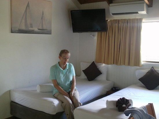 Airlie Beach Apartments : Bed area