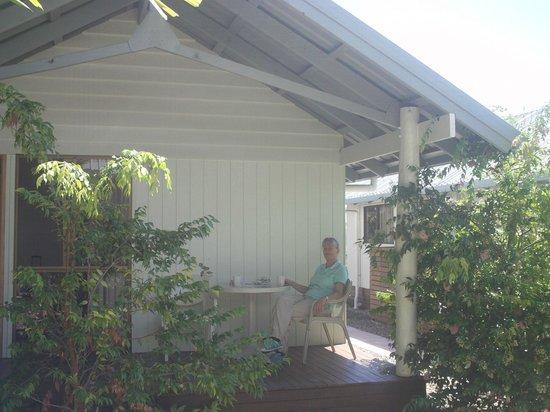 Airlie Beach Apartments : Outside verandah