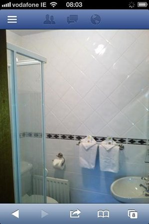Hamilton House : spotless ensuite