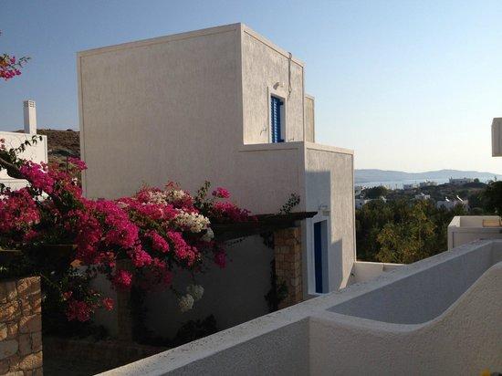 Glaronisia Hotel: View from our balcony, towards Pollonia and the sea