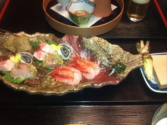 Sanrakuen : 夕食の刺し身