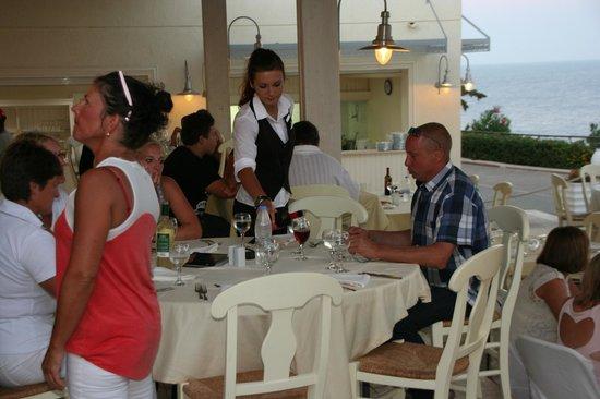 Sea Side Resort & Spa: Merci Bojaha que du bonheur en sa compagnie