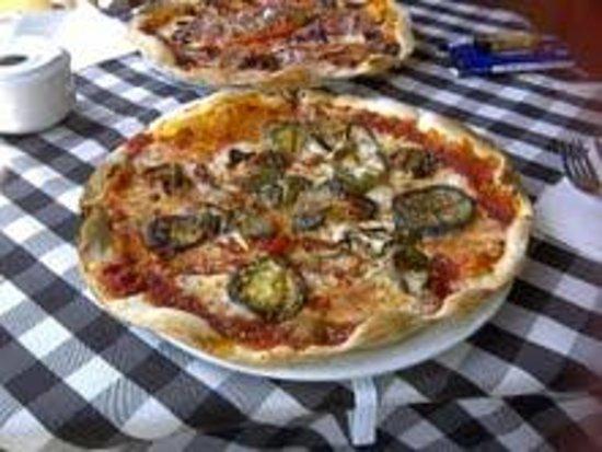 La Marina pizzeria : Fantastic pizzas