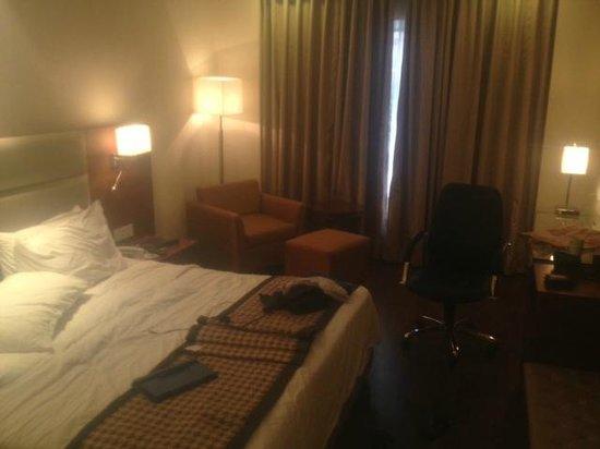 Howard Plaza The Fern Agra: Nice spacious room