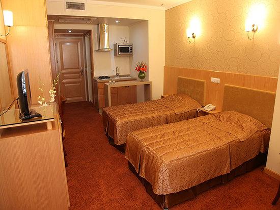 Saina Hotel : TWIN ROOM