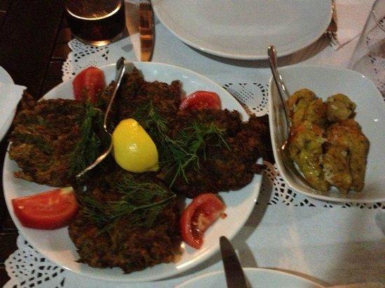 Komodor: Polpette di zucchine e fiori di zucca ripieni di riso