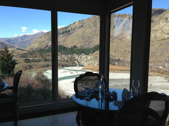 Nugget Point Queenstown Hotel: View from dining area