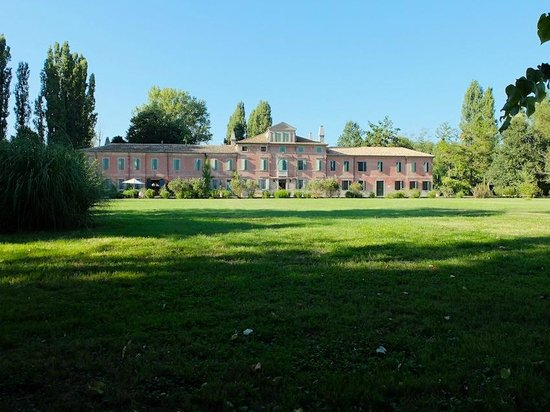 Tenuta Ca'Zen: view of the villa from southern side afterworks 2013
