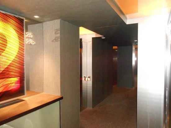 Soho Hotel: Couloir des chambres