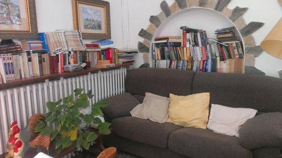 Hostal Sa Barraca: Rincón de lectura