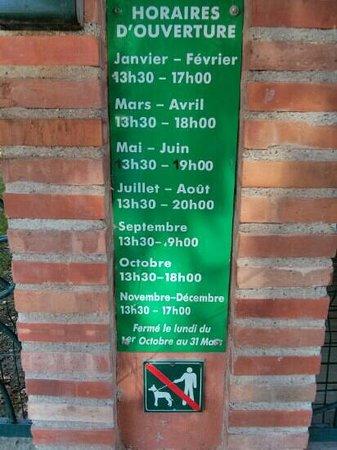 Saint-Cyprien, Frankrike: horaires d'ouverture