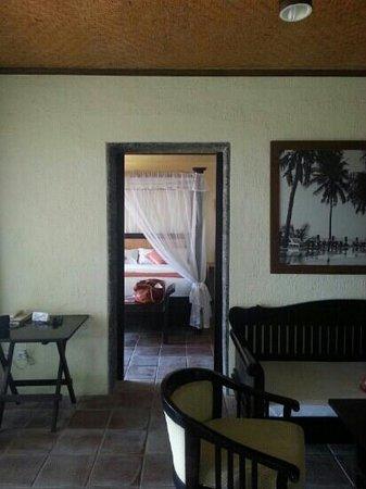 Nugraha Lovina Seaview Resort : family suite's living room