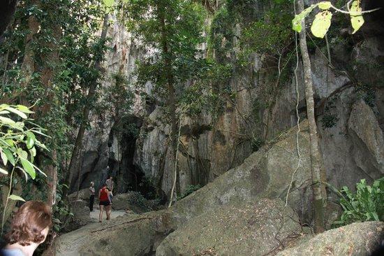 Capricorn Caves: Fantastic Scenery
