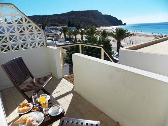 Luz Beach Apartments: Breakfast