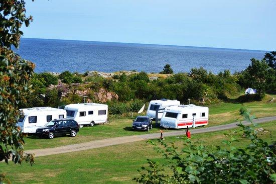 Gudhjem Camping : Caravans all around