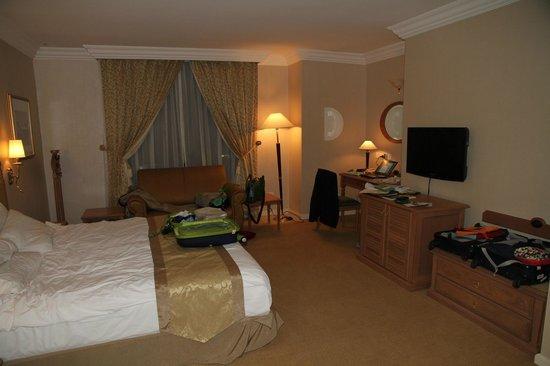 Merdeka Palace Hotel & Suites: room