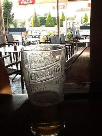 Bahamas Hotel : nice afternoon pint at the bahamas