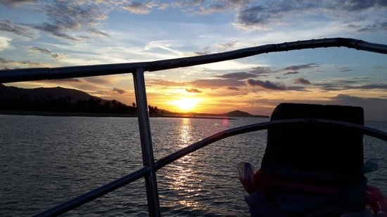 Boat Charter Samui: Ok - I guess you get the sunset was amazing