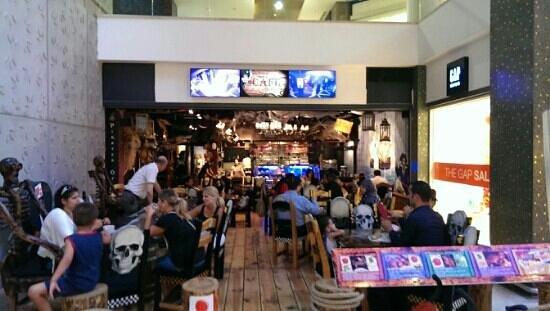 Pirates of Istanbul: pirates in forum istanbul