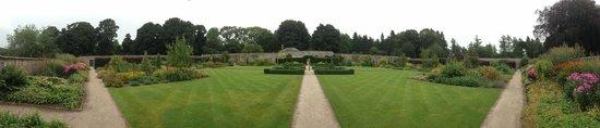 Castle Fraser Garden & Estate: Castle Fraser Gardens