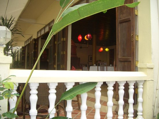The Apsara : Terrace and view into restaurant