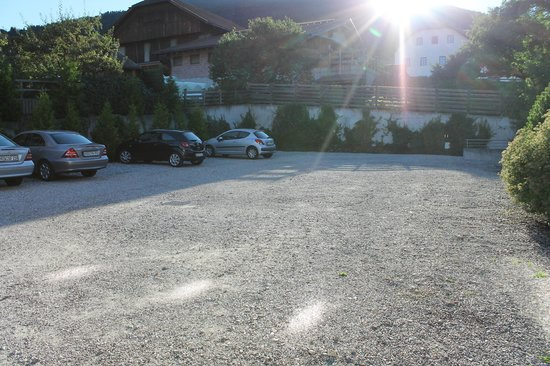 Hotel Kronplatz: Parcheggio dell' hotel