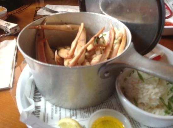 Bubba Gump Shrimp Co.: Pentola di chele di granchio stufate